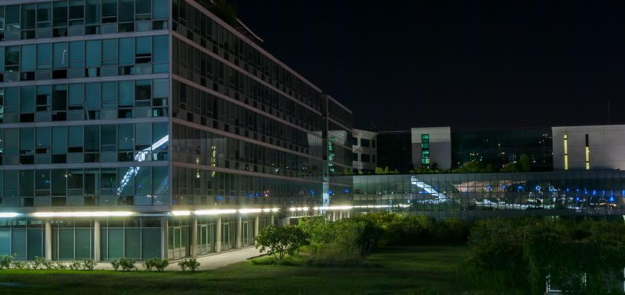 Bildet viserr Sanofi Pasteurs hovedkvarter i Lyon, Frankrike